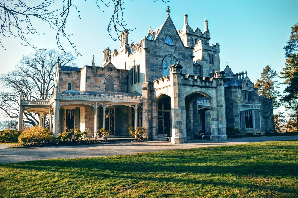 7 Things Only People With Gothic Houses Can Understand