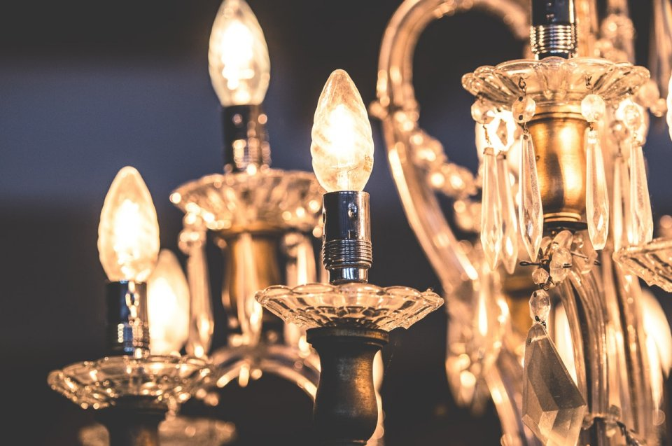 If you're restoring a historical home with board requirements or simply trying to keep the feel of a period home, you may feel stumped when it comes to home lighting design.home lighting in historical homes